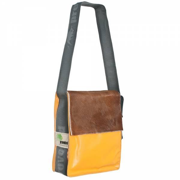 Messenger Bag CITY PROVOKED aus Kuhfell: braun & LKW-Plane: hellorange, 31x